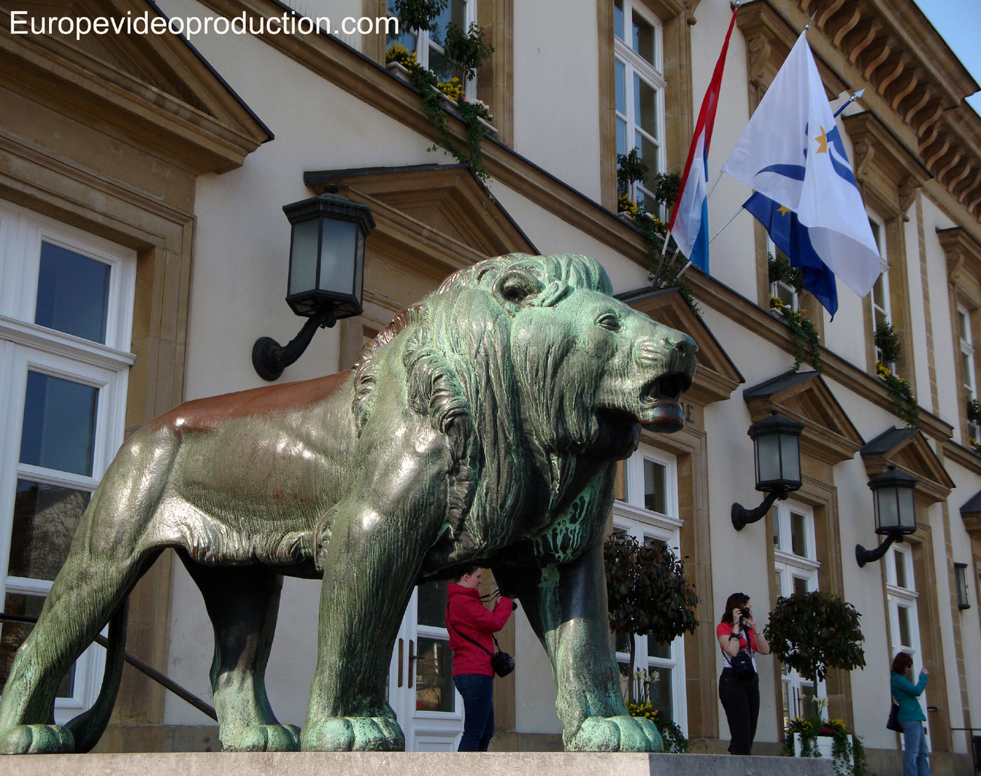 Statue of a lion in front of the City Hall of Luxembourg
