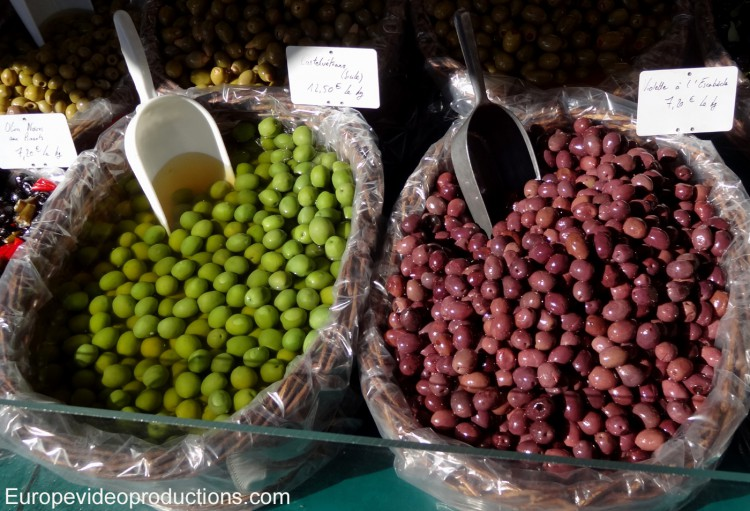 Olives in the market of Apt in Provence in France