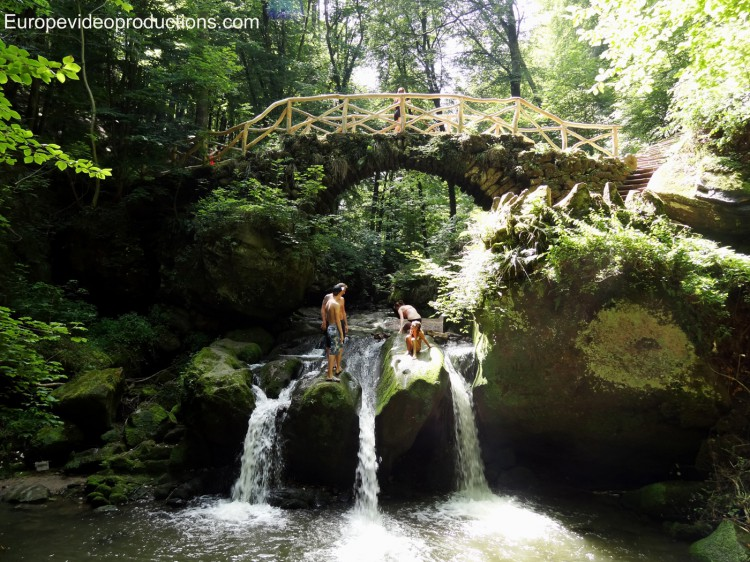 Photo cascade du schiessent mpel mullerthal au luxembourg - Office du tourisme luxembourg ...