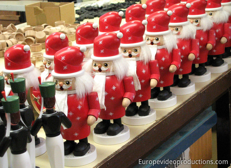Wooden Christmas decorations produced in Seiffen in Germany
