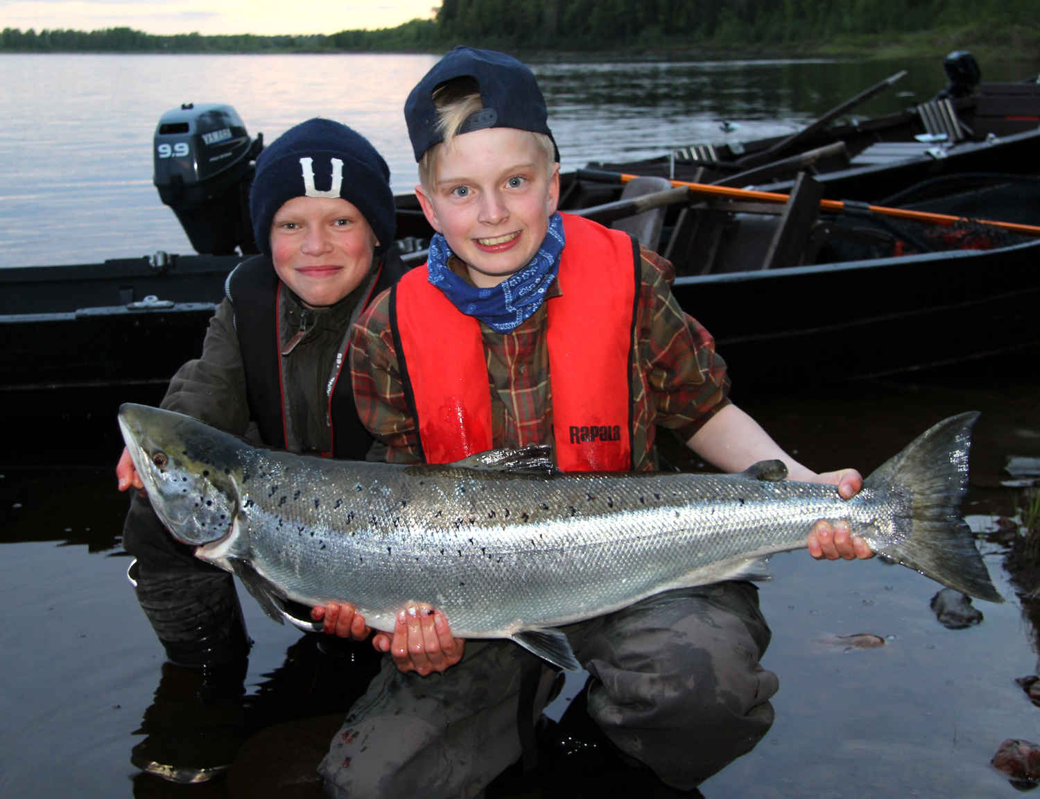 Salmon Fishing in Lapland in Finland: an activity for whole family