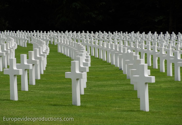 Graves of soldiers in Luxembourg American Military Cemetery