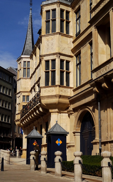 Palace of grand duke of luxembourg grand ducal palace - Tourist office luxembourg ...