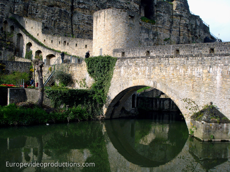 Photo fortifications ville de luxembourg unesco for Piscine luxembourg ville