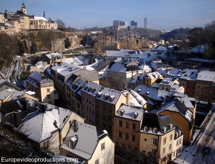 Photo grund altstadt von stadt luxemburg im winter for Piscine au luxembourg